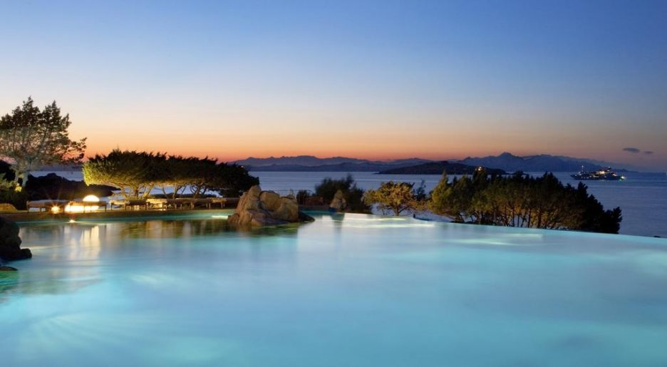 Best_sardinia_hotels_with_infinity_pool