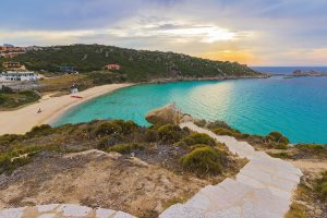 nord-sardegna-vacanze-italia-spiaggia-rena-bianca-santa-teresa-di-gallura